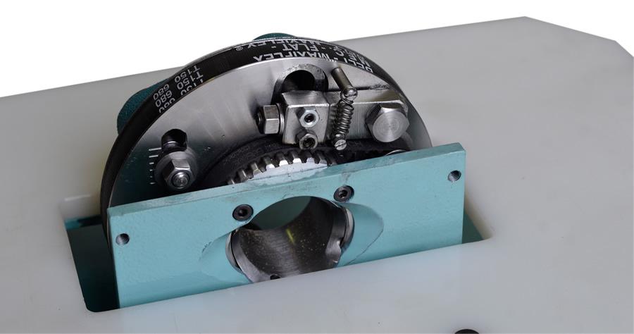 adjustment system of the Belt sanding machine for bent wooden components – LPC 90-135