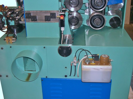 Air oil lubrication system of the wood milling shaping machine – TS 60