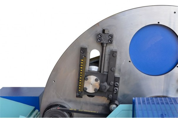Diameter setting of orbital sander for wood round bars – LT 130
