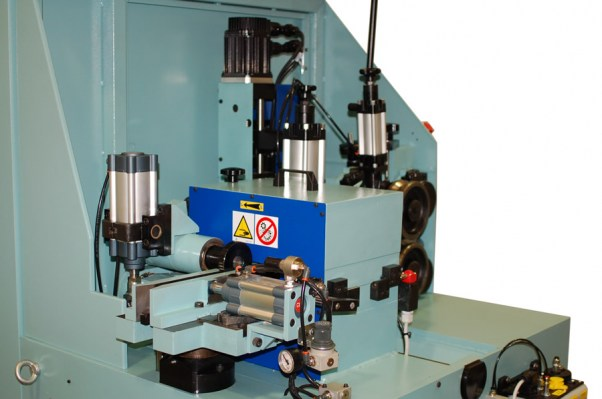 Front view of the CNN Milling machine for wood shaped parts – TS 60 CN