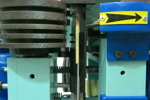 Cutting Chamfering Device Cross Cutting Machine For Wood Round Doweld CUT